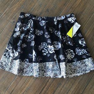 Prabal Gurung size 16 black & white floral skirt